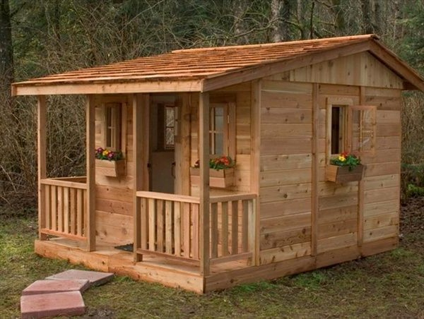 Простой бюджетный деревянный дачный домик