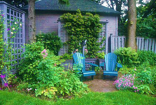 Оформление уголка отдыха во дворе частного дома