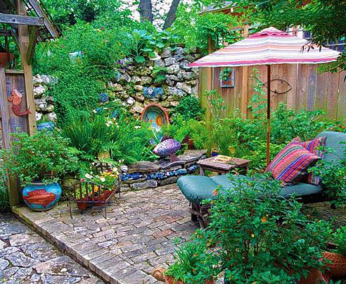 Идея патио во внутреннем дворе на даче