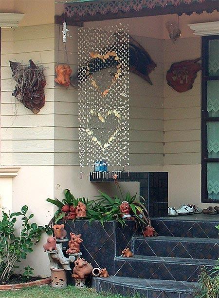 красивый двор частного дома 2