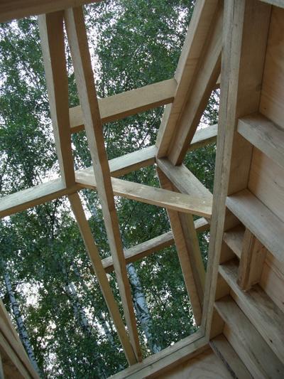 Монтаж крыши дачного домика