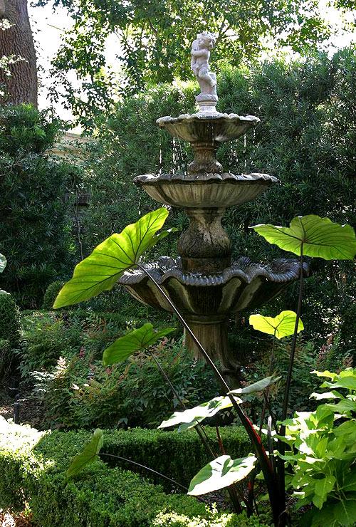 Идеи декоративных фонтанов для дачи