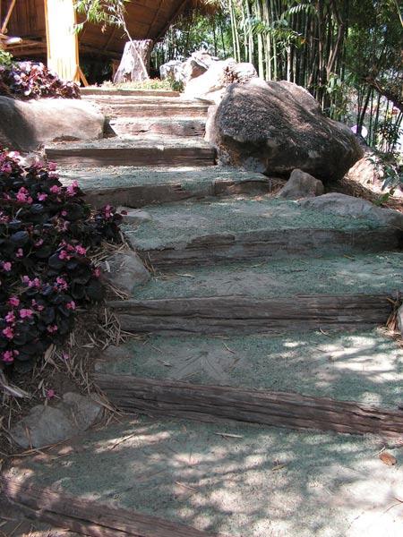 Идеи ступенек из бетона на даче