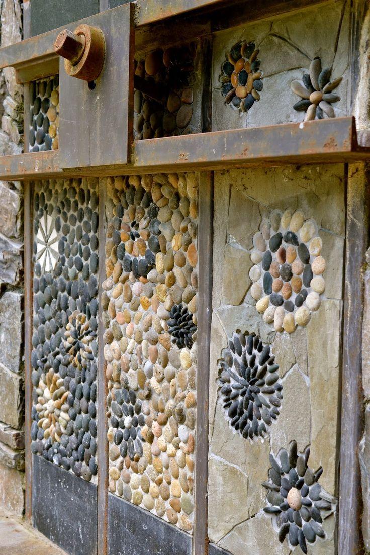 Мозаика - отделка стен галькой