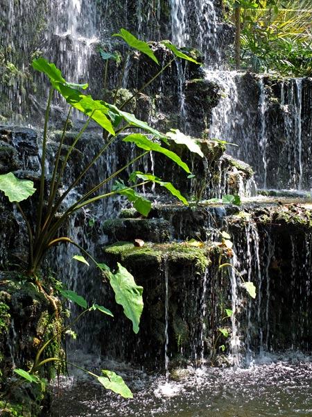 На даче водопад своими руками