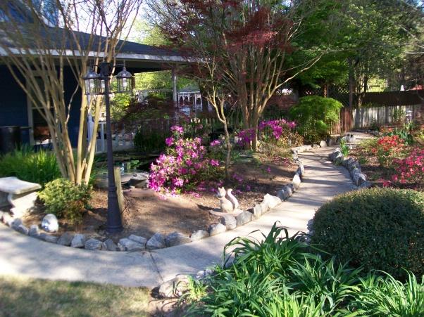 красивые уголки сада - дорожки