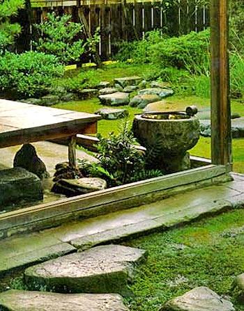 чайный уголок в саду