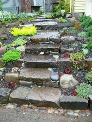 каменная лестница на даче