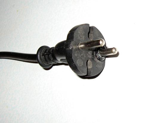 Как поменять электрическую вилку для