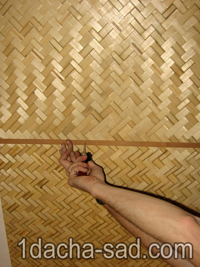 Закрываем стык панелей 1