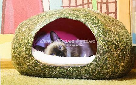 Бюджетный домик для кошки из папье-маше