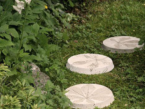 Дорожка для сада - листья каштана