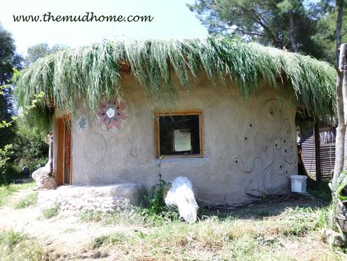 земляной дом