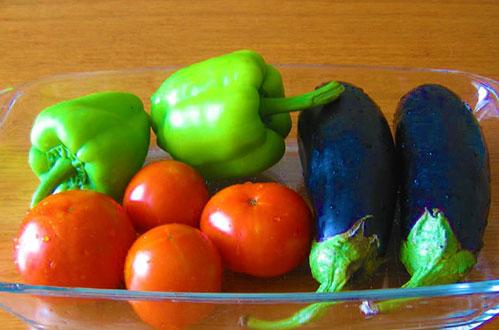 Посадка рассады томатов перцев и баклажан