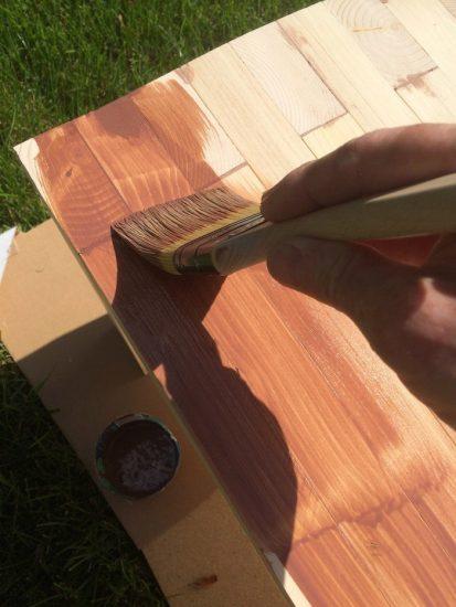 Дачная скамейка из дерева своими руками - покрытие морилкой